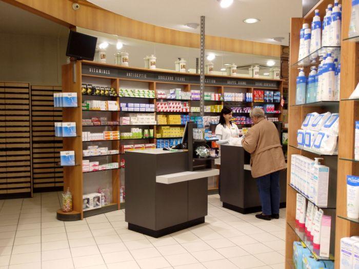 Pharmacies pharmacie videlier 38 for Amenagement interieur pharmacie