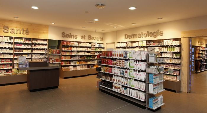 Pharmacies pharmacie maret for Amenagement interieur pharmacie
